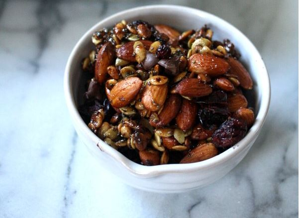20 nutty trail mix recipes to