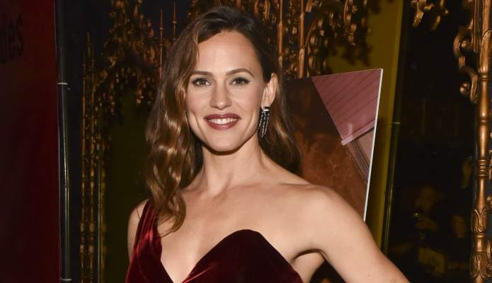 Actually, Jennifer Garner Is Happily Single