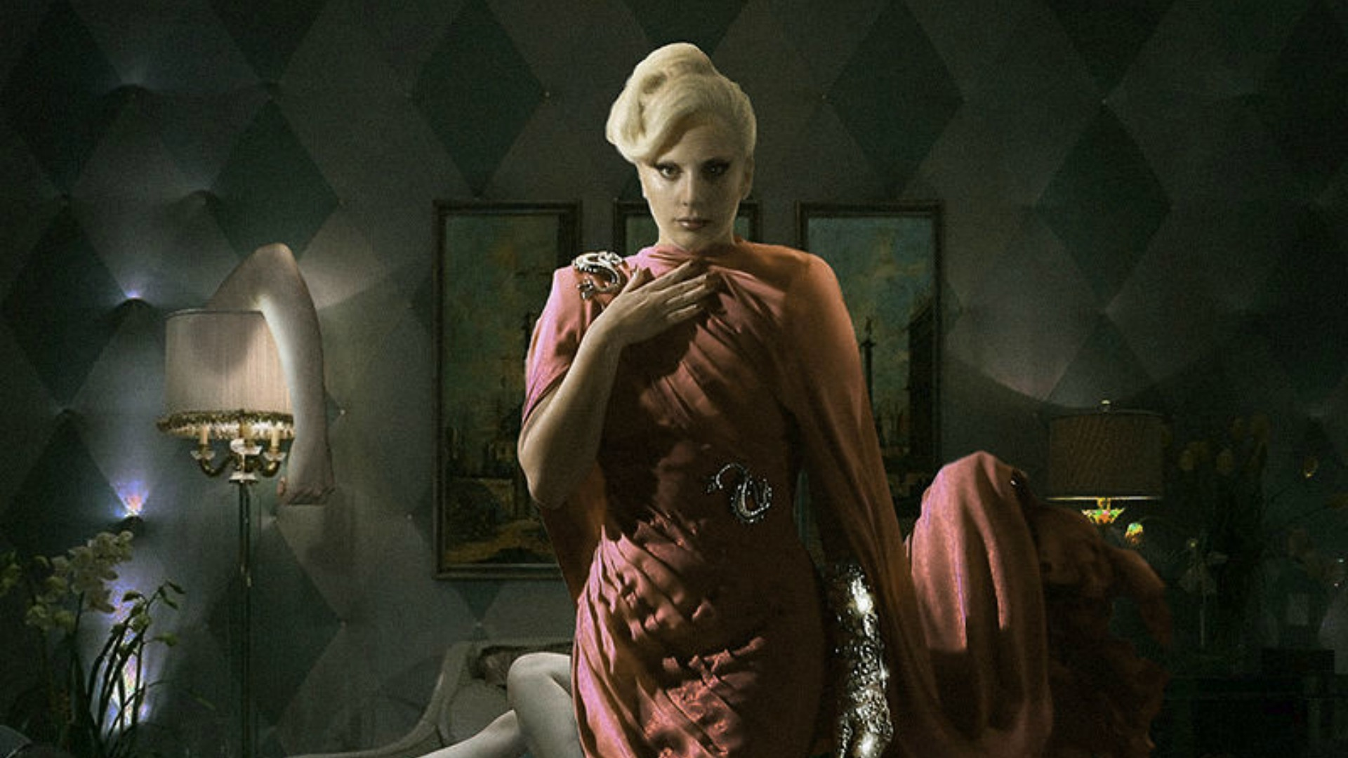 Ahs Creator Apologizes To Lady Gaga S Parents For Ahs Hotel