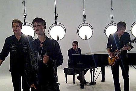 Justin Bieber and Rascal Flatts team
