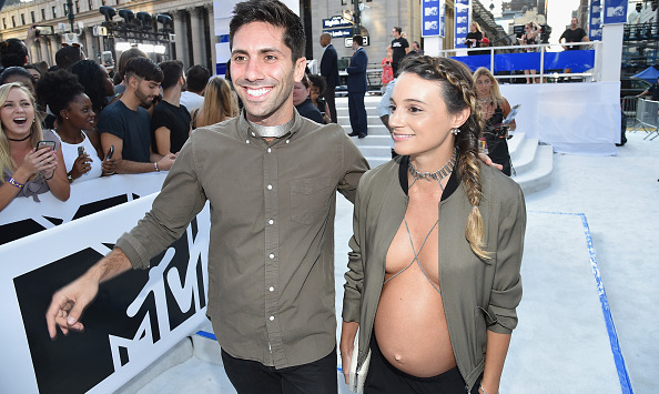 Pregnant Laura Perlongo's VMA's look is