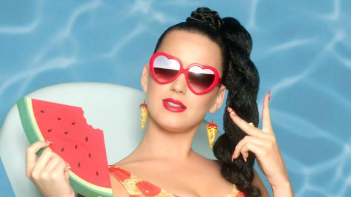 Nude beach nightmare for Katy Perry