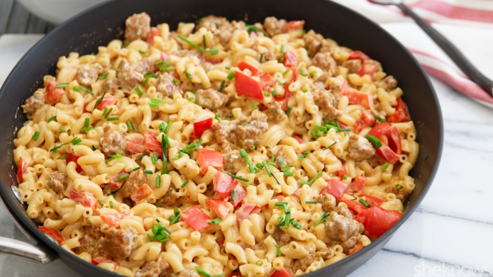 One-Pot Wonder: Spicy sausage mac and