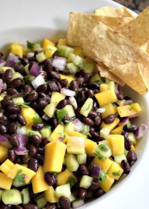 Mango-black bean salad