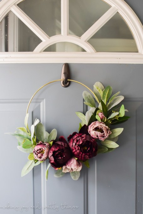 Etsy Decorating Trends: Asymmetrical wreaths | Fall Decor