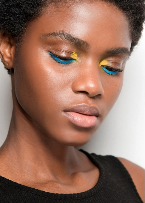 Fall Makeup Trends: Bold, bright eyeshadow | Fall Makeup Trends 2017