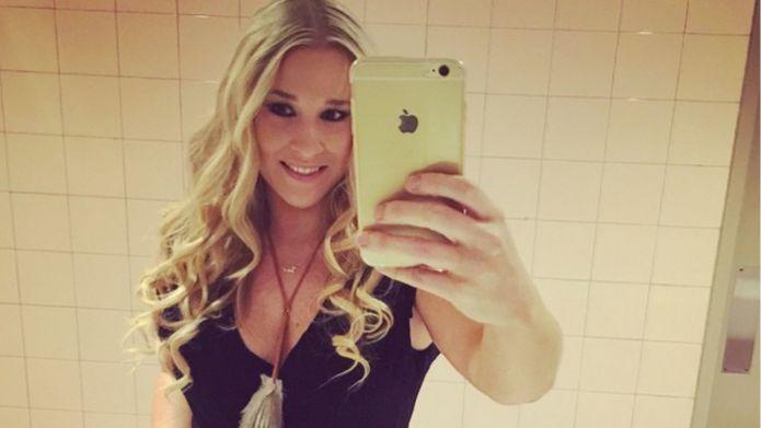 Singer raises cancer awareness by sharing