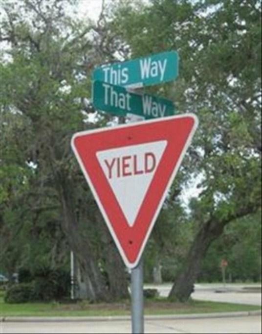 funny-raod-signs-this-way-that-way