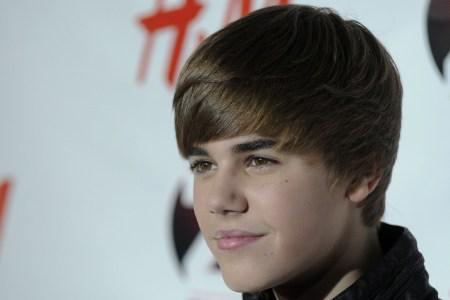 Justin Bieber sends congratulations to Hailee
