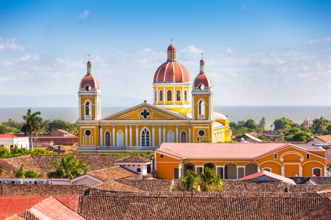 best-budget-travel-destinations-granada-nicaragua