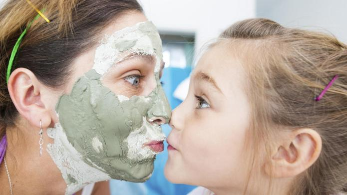 DIY mother-daughter spa day