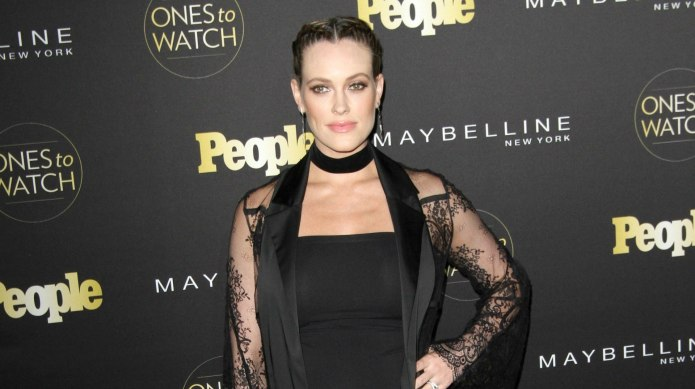 Peta Murgatroyd is showing off her