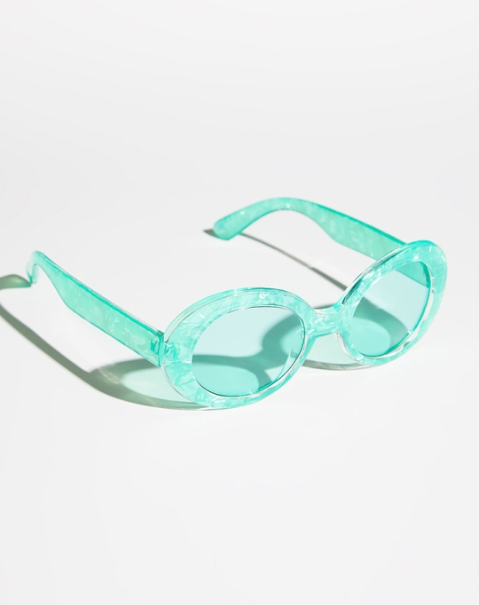 Fall fashion trends: Nirvana Oval Sunglasses | Fall Fashion 2017
