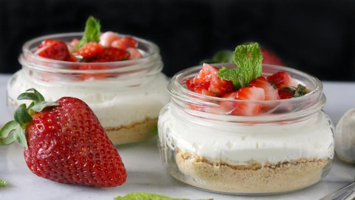Light, airy, no-bake strawberry mint cheesecake
