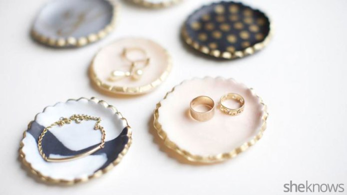 Mini DIY jewelry holders you can