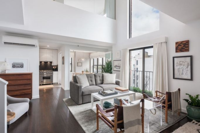 Alexis Bledel and Vincent Kartheiser sell brooklyn penthouse