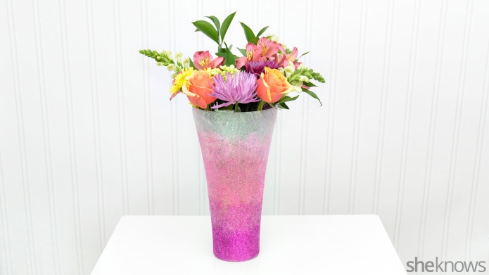 DIY ombré glitter vase is the