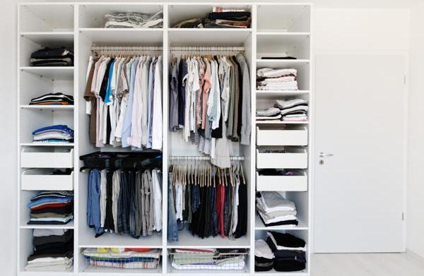 Types of closet organizers