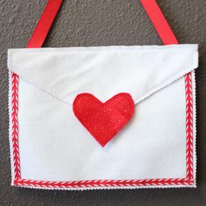 No-sew Valentine's Day mailbox tutorial