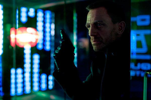 Skyfall reclaims box office throne