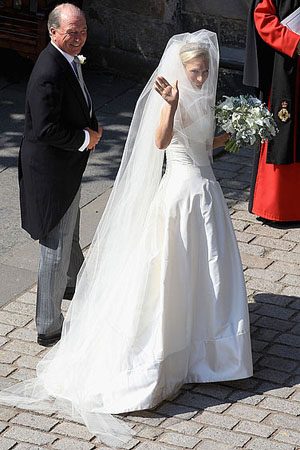 Zara Phillips full royal wedding dress