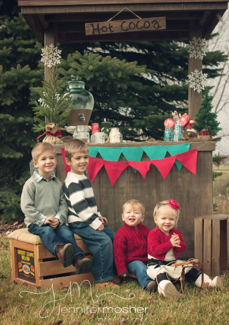 16 Family Christmas Card Photo Ideas That Will Wow Your Relatives