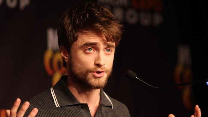Daniel Radcliffe raps?! Watch him kill
