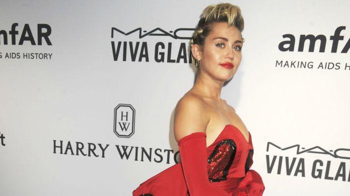 Miley Cyrus' new VMAs promo proves