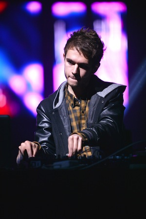 Zedd pairs up with Foxes in this tantalizing single.