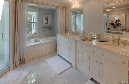 Zeta-Jones bathroom