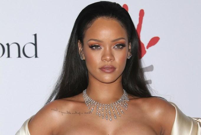 Rihanna 2016 Grammys