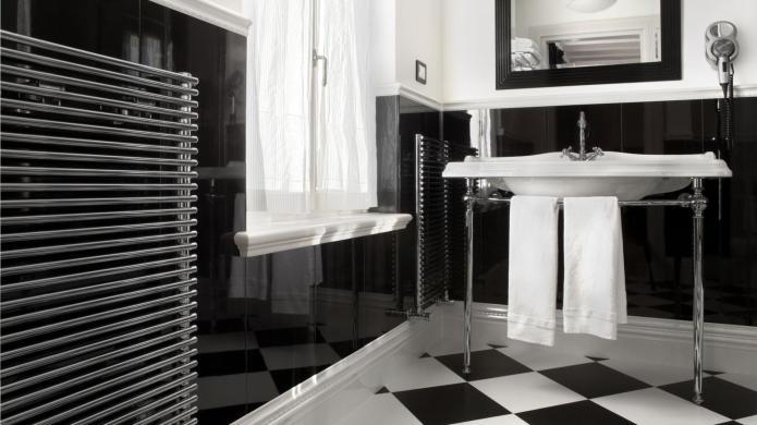 Gorgeous bathroom tiles for your floor,