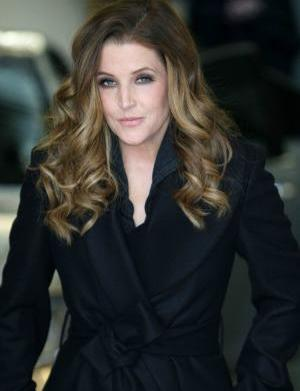 Lisa Marie Presley sings with Elvis