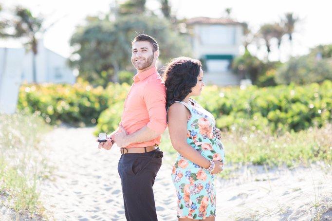 surprise-maternity-engagement-photo-shoot