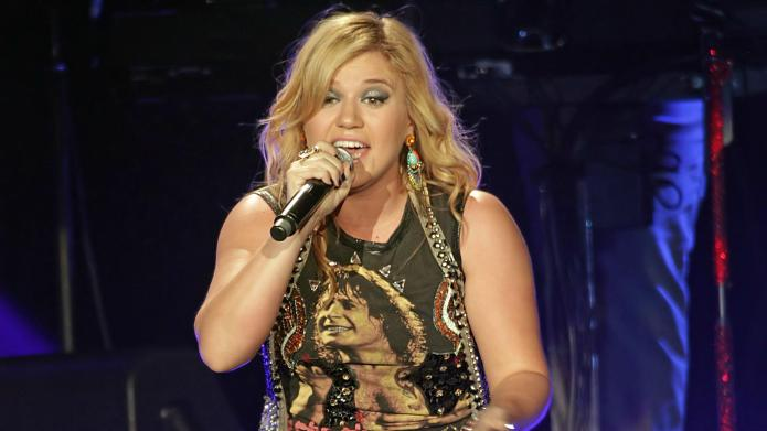 Kelly Clarkson, is that you? Or