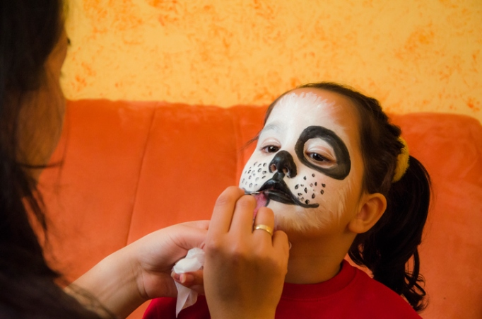 Easy Halloween Face Painting for Kids That Make for Perfect Last-Minute Costumes