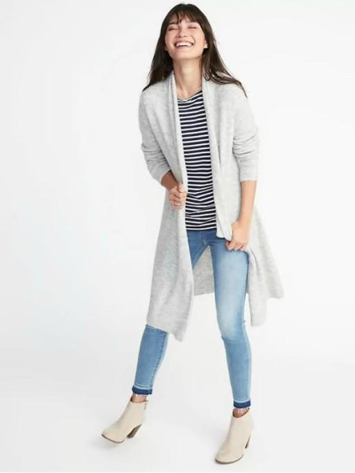 Valentine's Day Gifts For Moms: cardigan sweater from Old Navy.