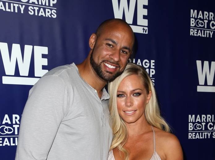 Kendra Wilkinson finally tells Hank his