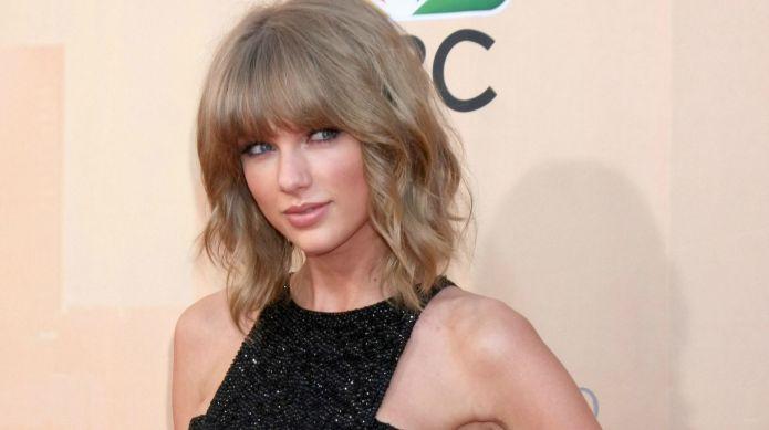 Taylor Swift, Scott Eastwood get sensual