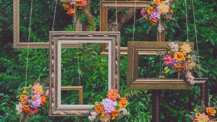 31 DIY Outdoor Photo Booth Ideas