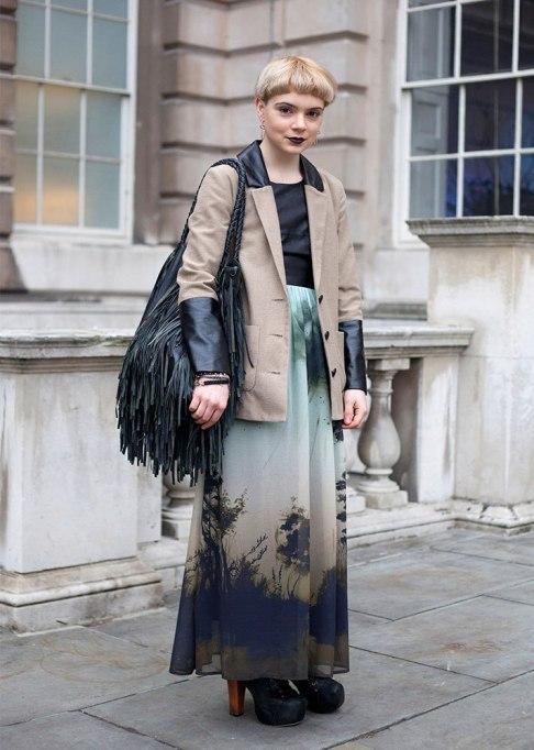 Stunning Ways To Style Short Hair   Blonde Bowl Cut