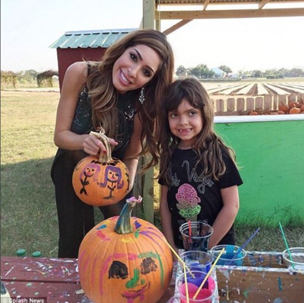 Teen Mom's Farrah Abraham and daughter Sophia decorating pumpkins on Halloween