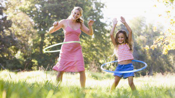 6 Beginner hula hoop moves to