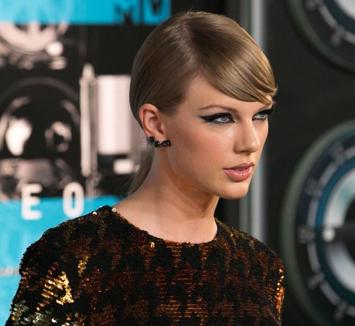 Celebrities attend 2015 MTV Video Music