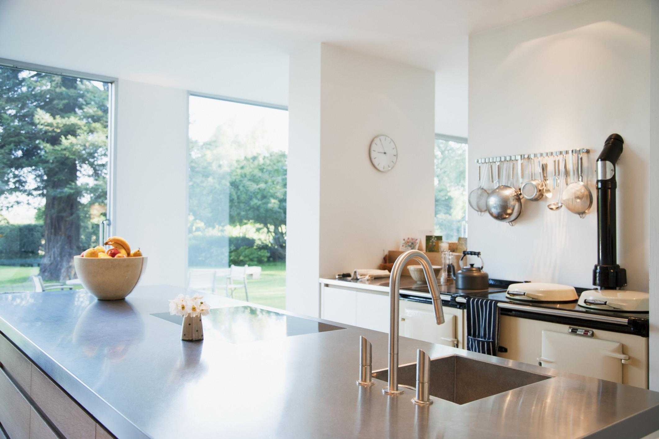 16 Kitchens That Prove Stainless Steel Can Go Way Beyond Appliances Sheknows