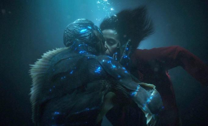 Shape of Water kiss scene