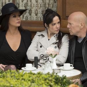 Red 2 movie review: Femmes fatales