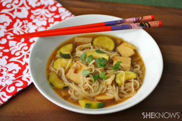 Teriyaki tofu and zucchini with rice noodles