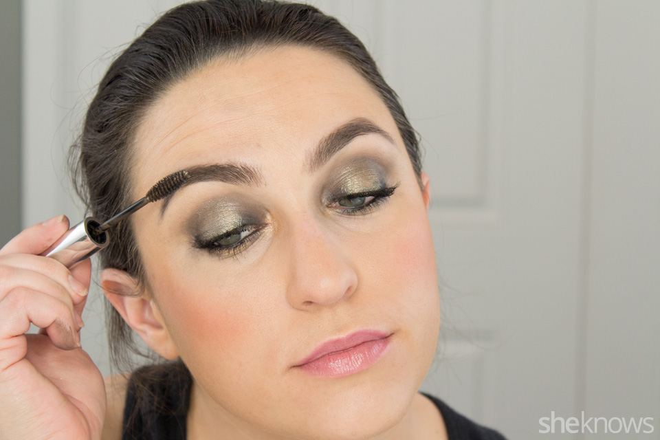 Fast and Festive Holiday Look: Step 10
