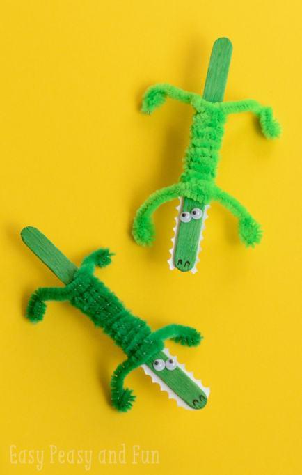 Craft stick crocodile
